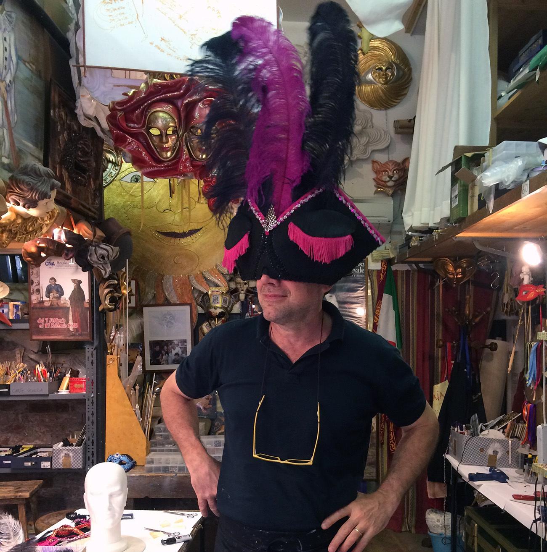 Remade traveling mask. Gualtiero Dall' Osto at Tragicomica. Photo: Ingvild Holm